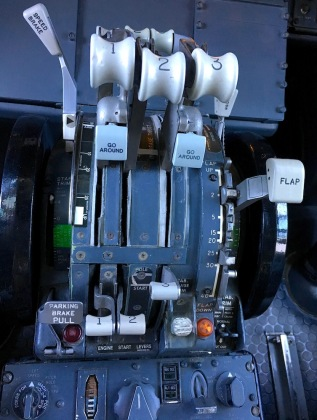 Boeing_727_Throttle
